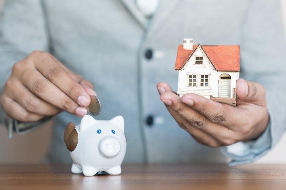 Как продать квартиру с долгами за коммунальные услуги. Какие варианты существуют.